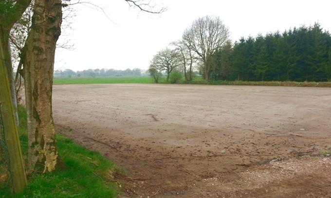 neuer Jug-Fussballplatz
